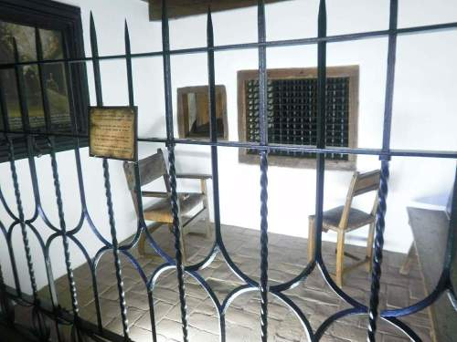 Avila_-_monasterio_de_la_encarnacion_42_capilla_donde_santa_teresa_y_san_juan_de_la_cruz_cayeron_en_extasis